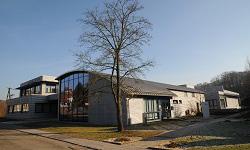 новый современный учебный и сервисный центр в Оппенвайлере (Oppenweiler) (2008)