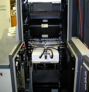 цифровая машина HP Indigo press S 2000 (накладной стол)